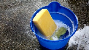 Soapy bucket for car washing