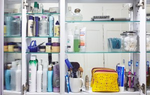 bathroom-clutter-cleanup